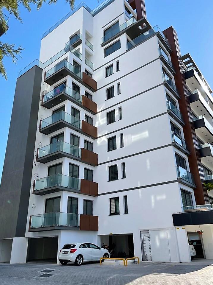 Luxury 3 bedroom city-view apartment